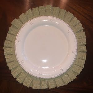 *Set of 8* Nicole Miller green pleated placemats